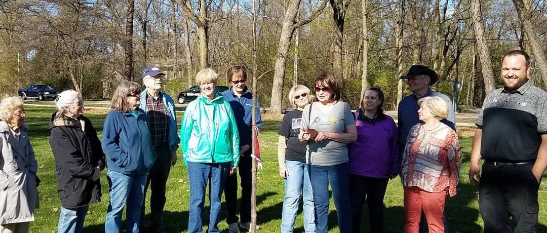 Group photo of Arbor Day celebration